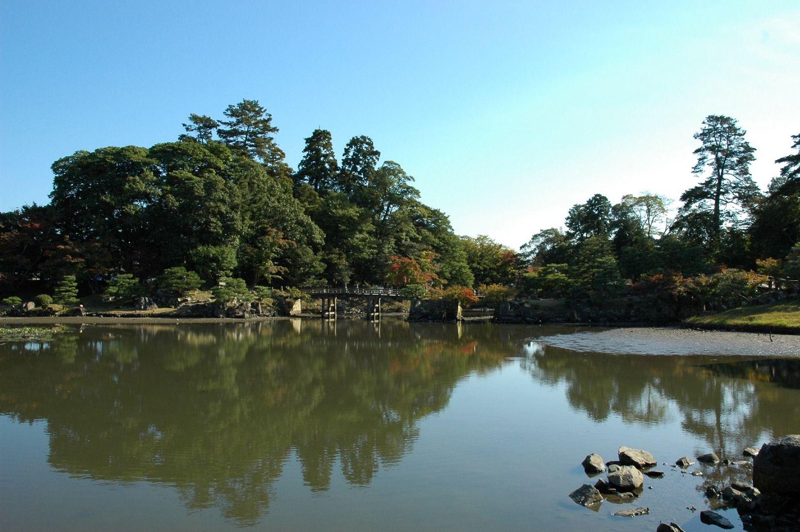 Hikone Castle (Shiga Prefecture)