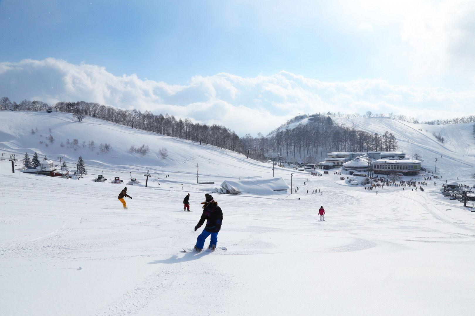 Hakuba Valley Kashimayari Ski Resort