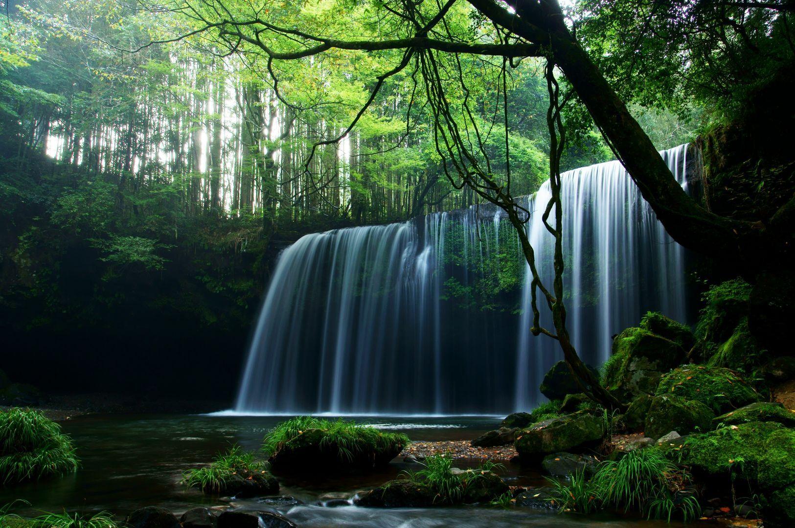 Nabegataki Falls in Kumamoto